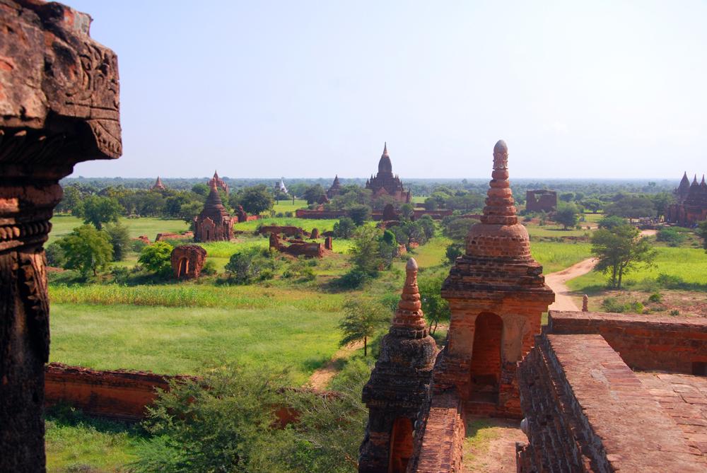 2011-10-06 Yangon Inle Bagan 8 dgr Bagan 1