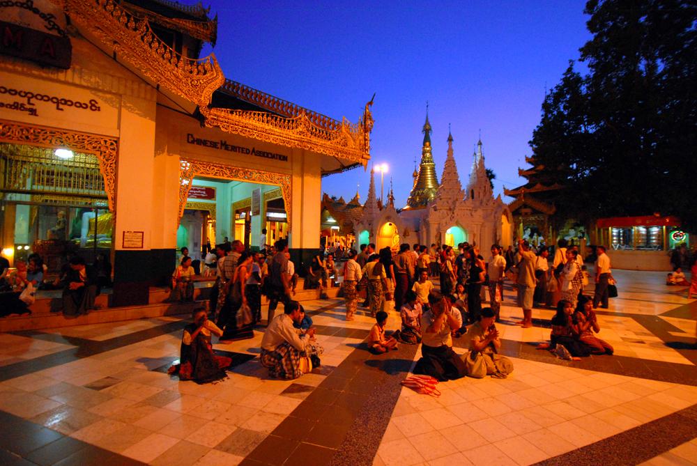 2011-10-06 Yangon Inle Bagan 8 dgr Yagon 1