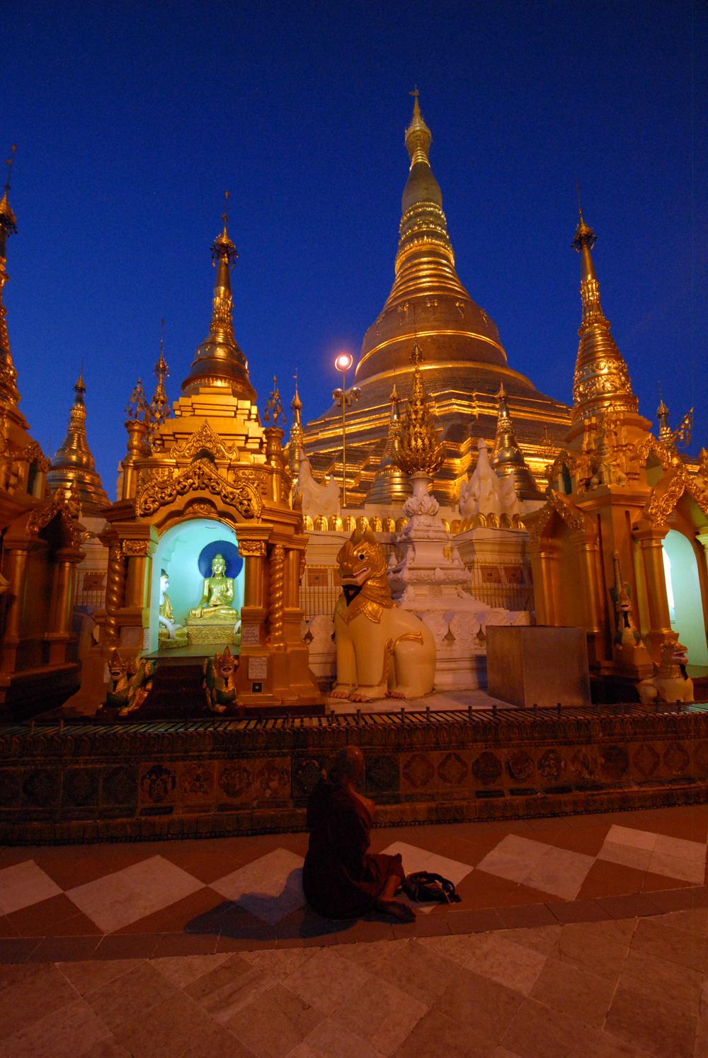 2011-10-06 Yangon Inle Bagan 8 dgr Yagon 2