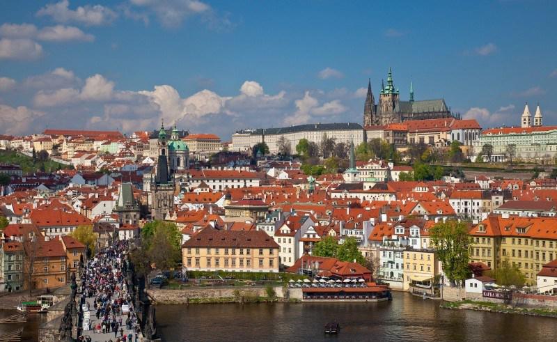 2012-04-30 Tsjekkia Festivaler praha_slottet.jpg