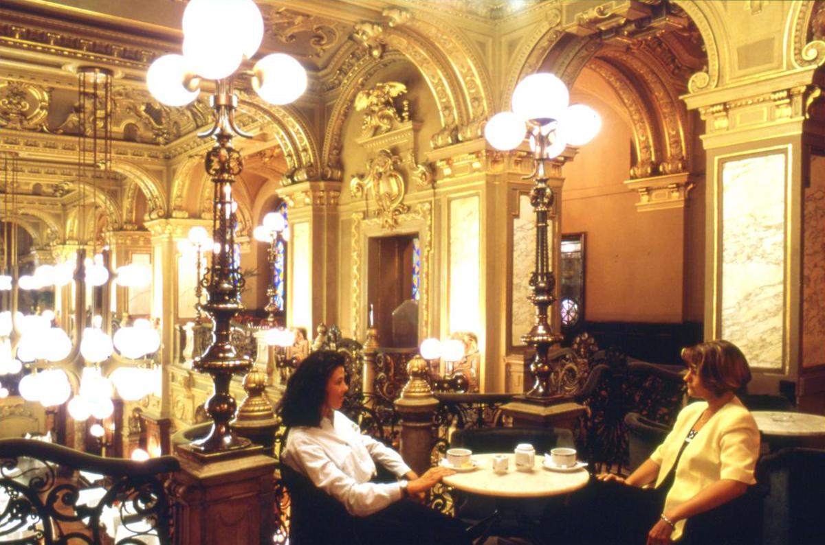 Budapest Høst 0610 New York Café