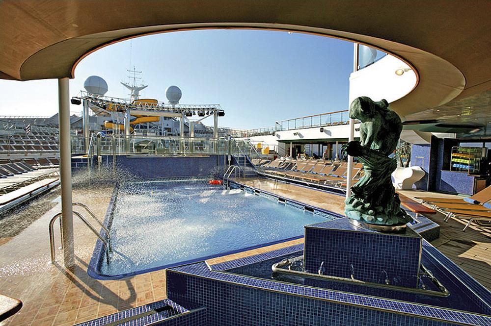 Escape Costa Fortuna pool 2012-04-26