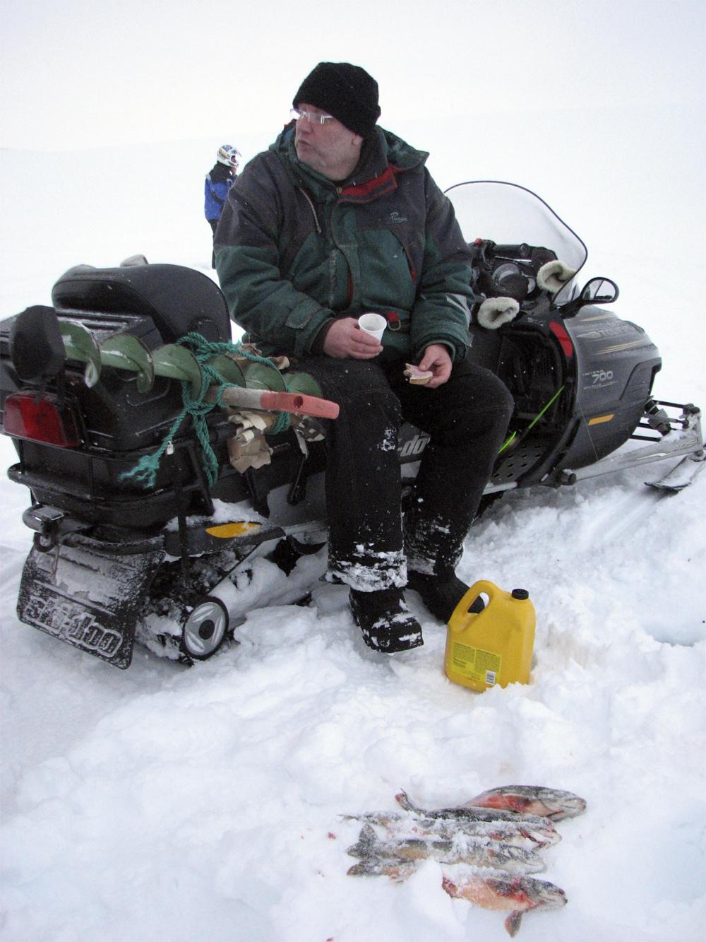 Finnmark Mehamn Snøscooter 0703 Fisk