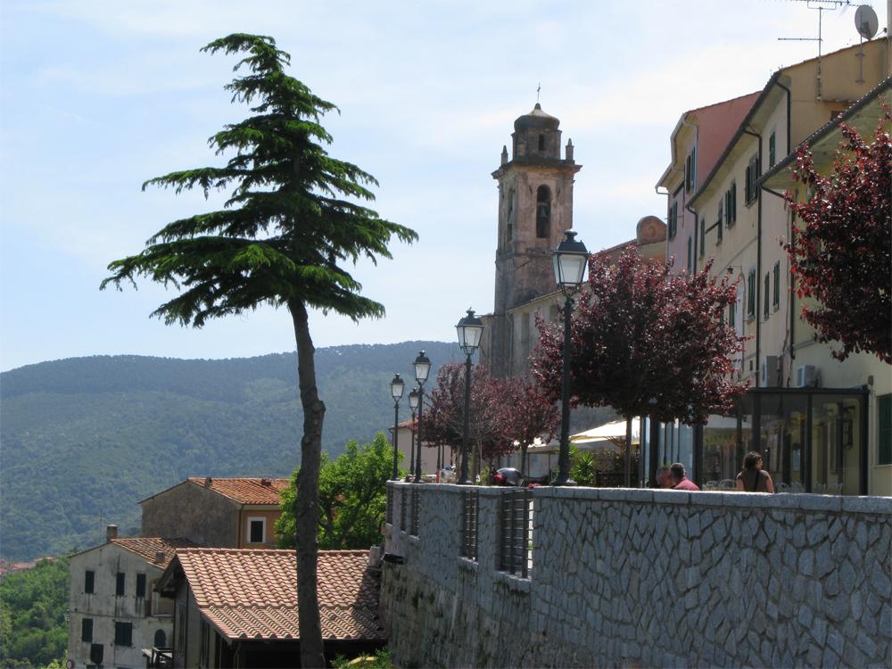 Italia Elba 0808 Landsby