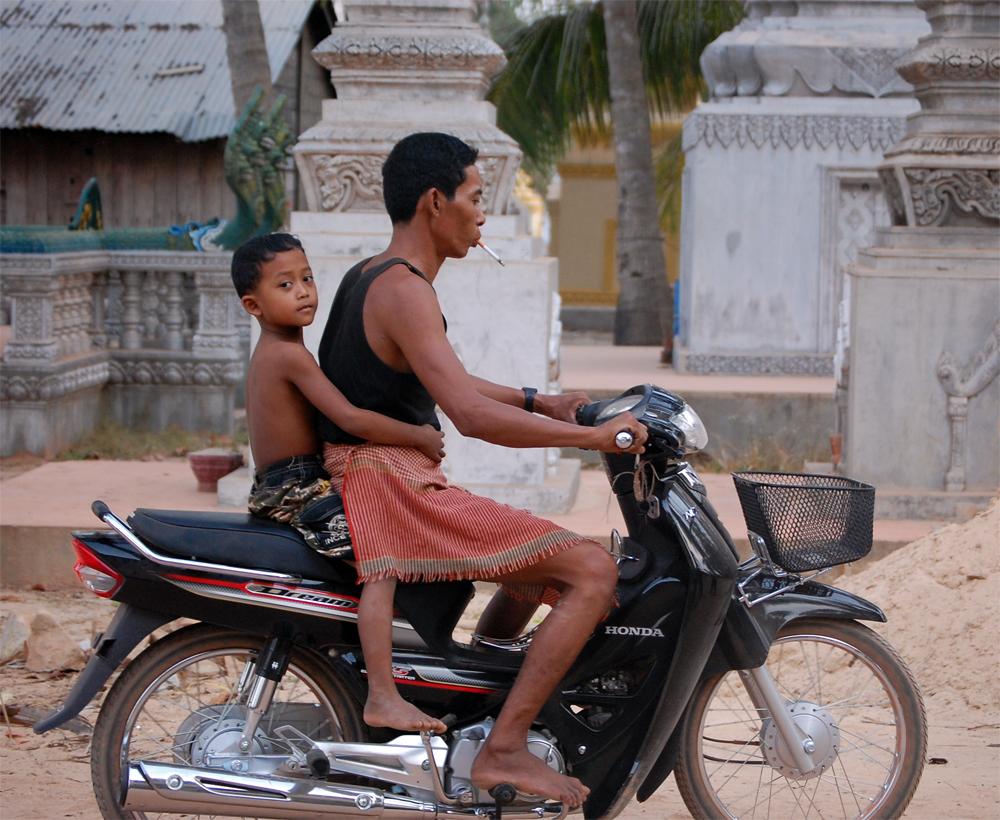 Kambodsja -  X-plore 0807 - Motorsykkel