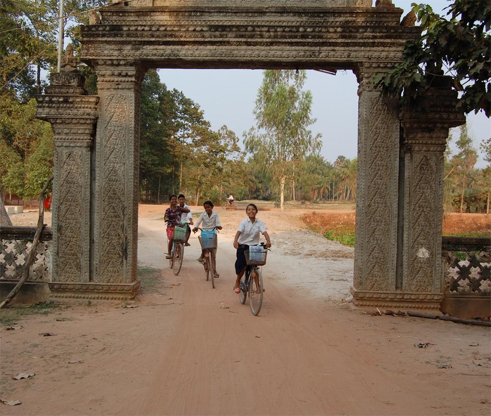 Kambodsja -  X-plore 0807 - Port