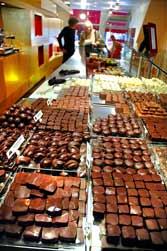 Langbord med sjokolade 1204