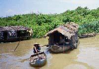 Mange hus i flytende landsby0506