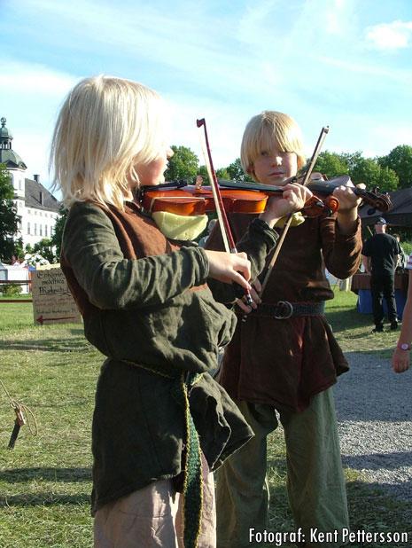 Norr M Skoklosterspelen 0608 Violiner