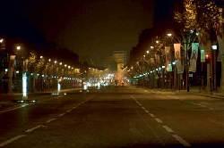 På tur i nattens Paris - Triumf