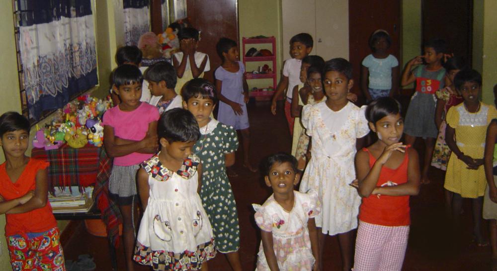 Sri lanka Tsunami Jomfrureiser 07-12 Barn