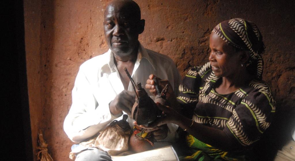 Tanzania Heksedoktor 0806 Hoved