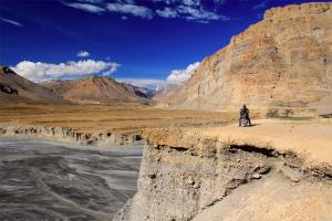Motorsykkeltur i Himalaya! Vi har alle forstått at det er høyt der, men å oppleve det i virkeligheten overgår den forståelsen!