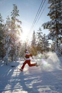 Snøskovandring er en av Sveriges nye treningsformer.