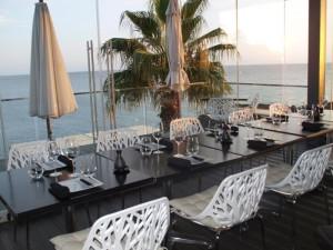 Lekker utsikt i restauranten hos Farol Design Hotel. Foto: Yvette-Marie Solem