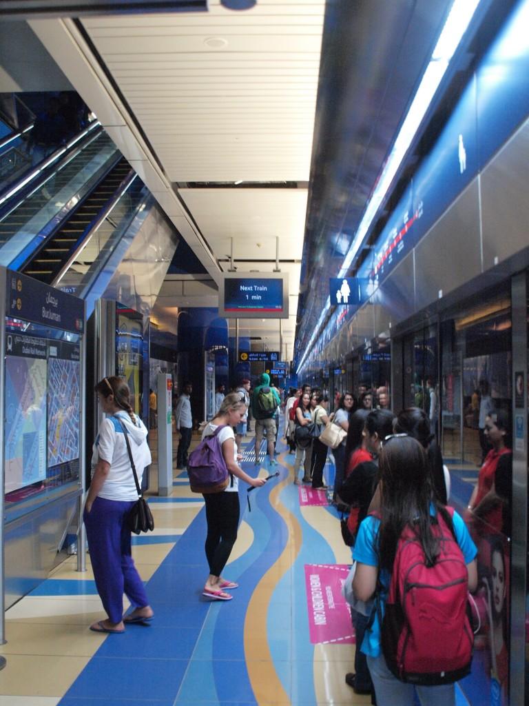 Dubai Metro er en morsom opplevelse for barna med sin egen førerløse metro. Her fra metrostasjonen Bur Juman. Foto: Yvette-Marie Solem