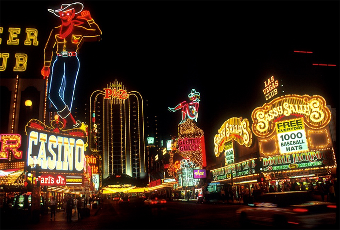 Las Vegas - gamblingbyen midt ute i Nevadaørkenen.