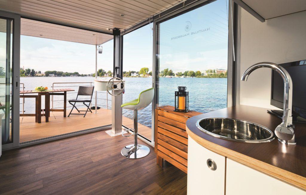 Tyskland: Oppdag Berlin på en ny måte - i husbåt! Foto: Novasol