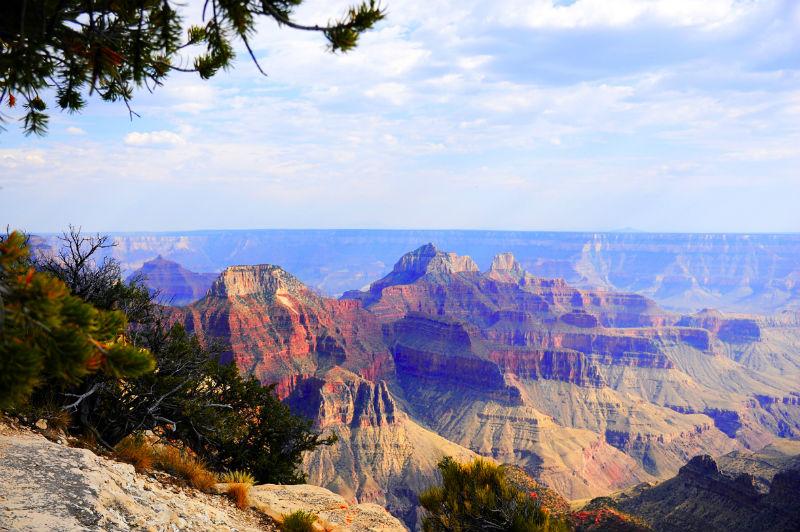 Majestetiske Grand Canyon kan du se fra North Rim (bildet) eller Grand Canyon Park Headquarter som også kalles South Rim. Foto: Per Henriksen