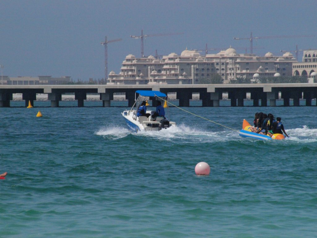 Dubai: Bananbåt er populært blant de unge. Foto: Yvette-Marie Solem