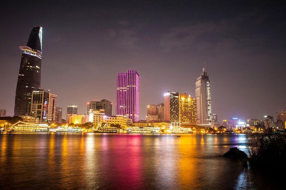 Ho Chi Minh - saigon er en fargerik, moderne storby i Vietnam, full av muligheter - og full av turister.