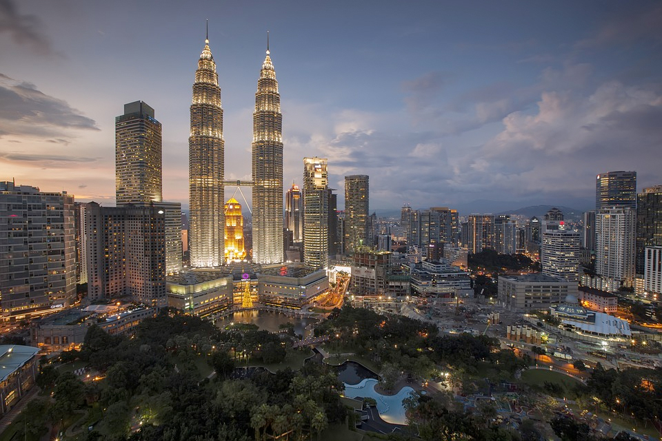 Kuala Lumpurs berømte tvillingtårn Petronas.