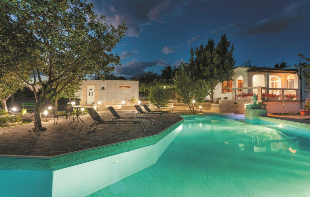 Kroatia: Nydelig ferievilla med fantastisk basseng. Foto: Novasol