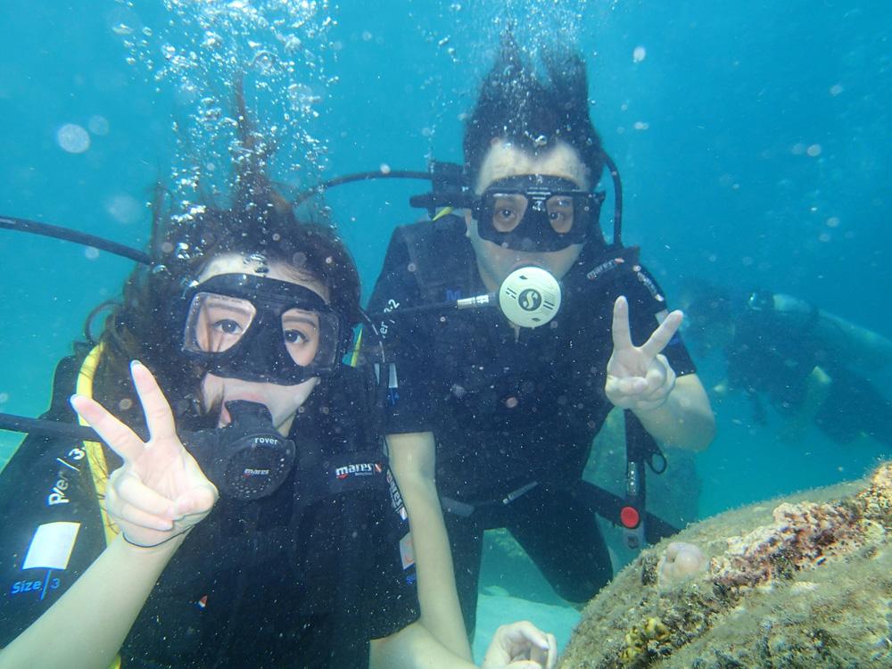 Flere steder i Malaysia er det fine dykkerforhold, og det er spenning i massevis, som en idé å dele opp ferien mellom dykking, Kuala Lumpur og genting Highlands i urskogen.