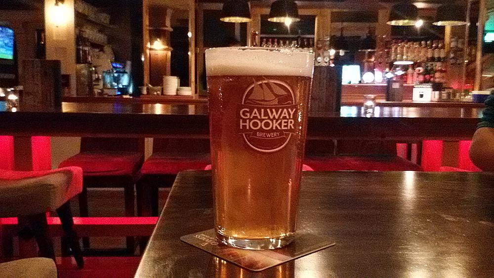 En ekte Galway Hooker på en av Galways mange puber.
