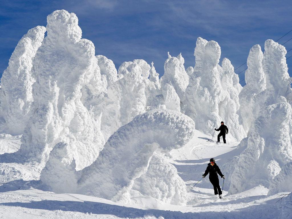 Puddersnø og merkelige ismonstre